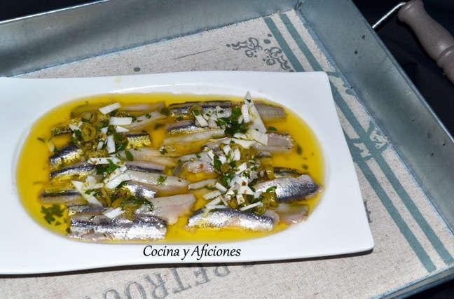 Anchoas marinadas a la sidra vinagreta de guindillas y coco 3