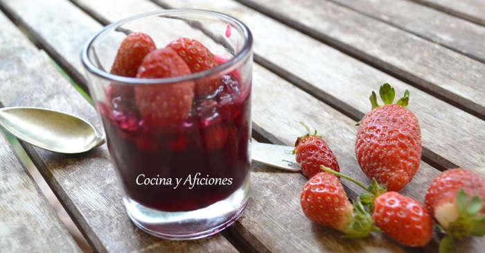 Consomé de frutas rojas en gelatina ligera 02