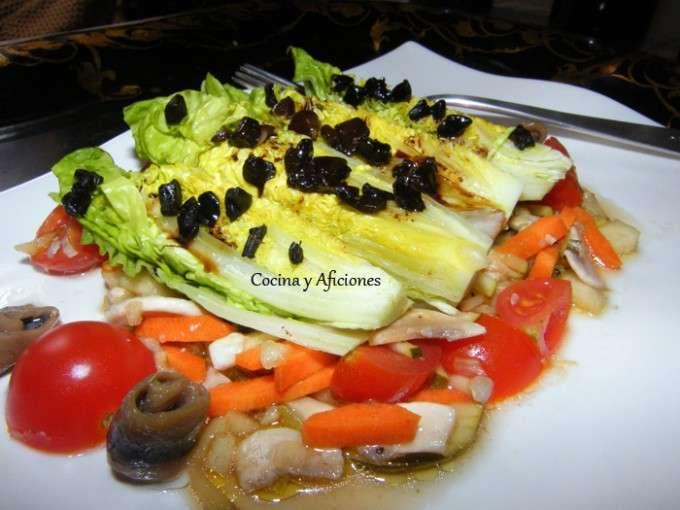 Ensalada con vinagreta de verduras y ajo negro ok