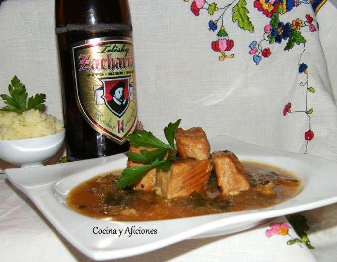 Estofado de cerdo con pimienta verde y cerveza checa SI FUNCIONA
