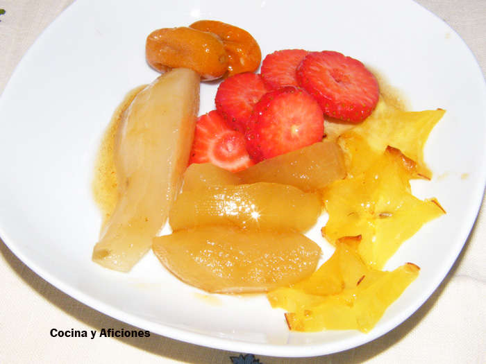 Frutas al almibar de champan