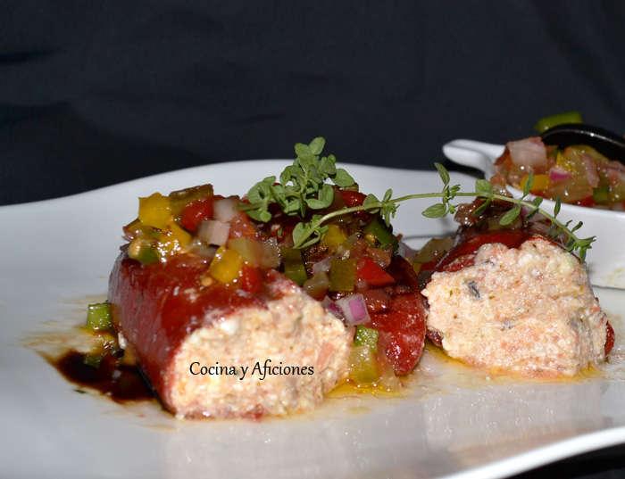 Pimientos rellenos de requesón, atún  y hierbas con su vinagreta Vinagreta tradicional con picadillo. Receta paso a paso