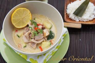 """Pollo en curry verde estilo tailandés, una receta  por gentileza de """"Sabor Oriental"""""""