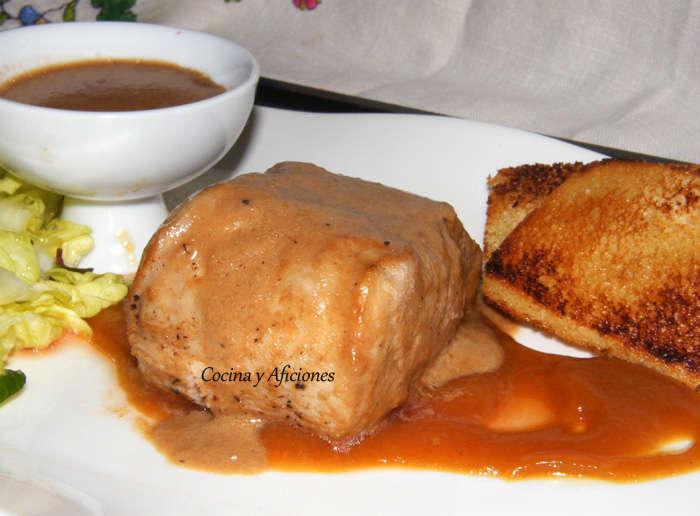 Solomillo de cerdo al ron con salsa de orejones, receta paso a paso