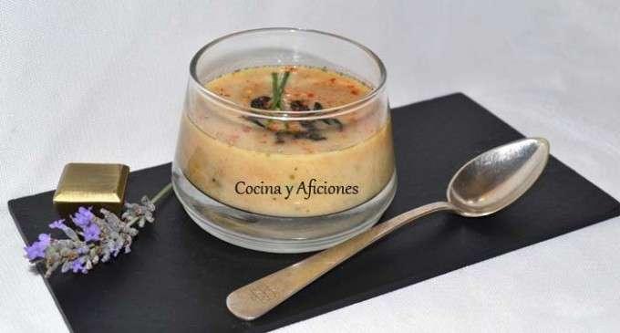Tzatziki,  sopa fría de pepino y yogur con ajo negro  3