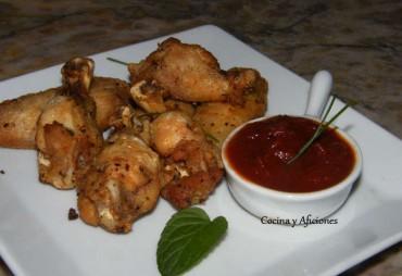 Alitas de pollo al adobo tradicional con compota de tomate especiado, receta paso a paso