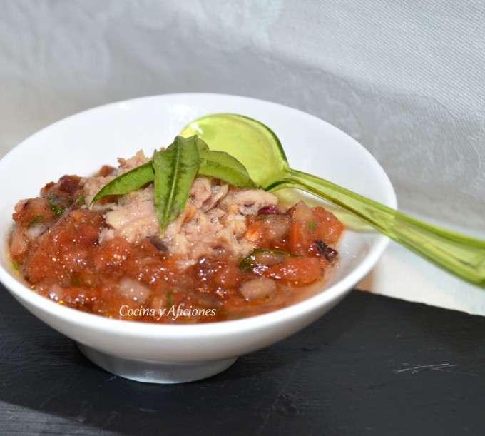 aperitivo de tartar de tomate y datiles 11