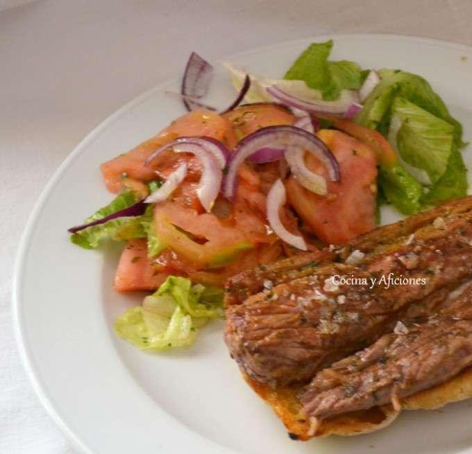 bocata de carne a la parrilla con chermuola 4