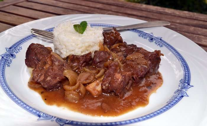 Carne guisada a la moda bordelesa, receta paso a paso.