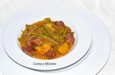 Carne guisada con patatas y borraja, receta paso a paso
