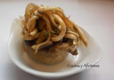 Champiñones rellenos de ajoarriero y gulas, receta