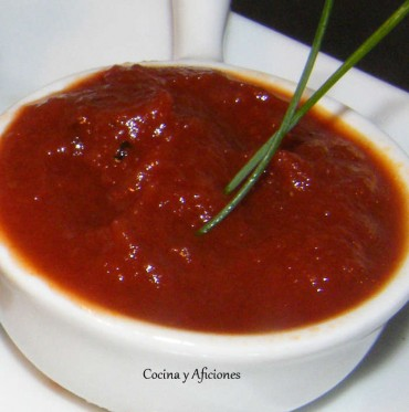 Compota de tomate especiado o una salsa tipo barbacoa muy diferente, receta paso a paso