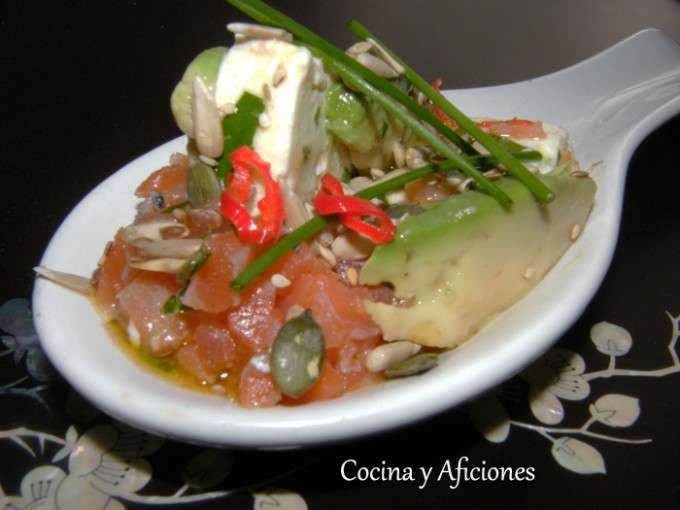 cuchara de queso marinado con salmon 3
