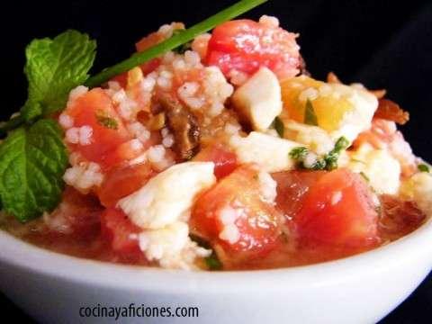 cuscus con tomate y hierbas
