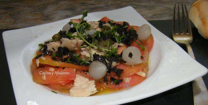 ensalada  de tomate con vinagreta de aceitunas 1