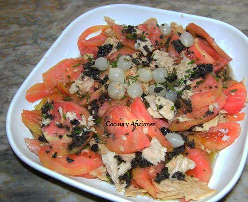 ensalada  de tomate con vinagreta de aceitunas ok