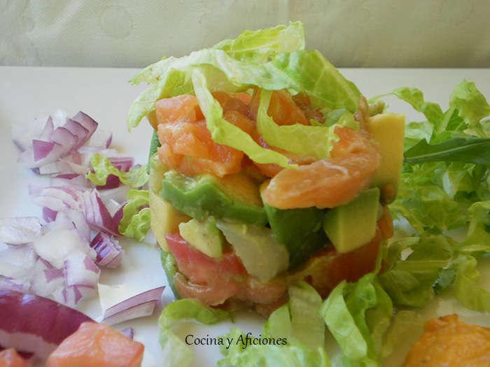 Ensalada de ahumados con salsa fresca mejicana, receta