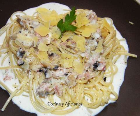 espaguetis con champis y jamon 1