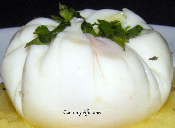 Técnicas de Cocina: flor de huevo o huevo poché, receta paso a paso