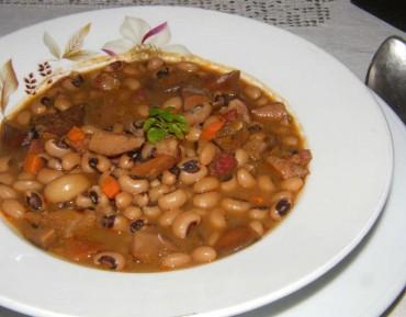 """Alubias """"carillas"""" con setas (níscalos), receta paso a paso"""