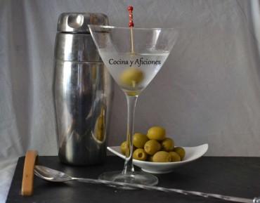 Prepárate un Dry Martini, paso a paso