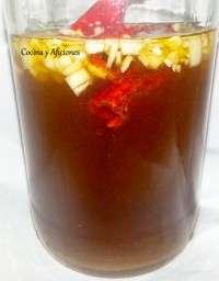 preparando la salsa nuoc cham