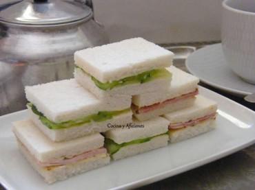 """Sándwiches para el """"Afternoon tea"""": los clásicos de pepino y jamón, receta paso a paso"""