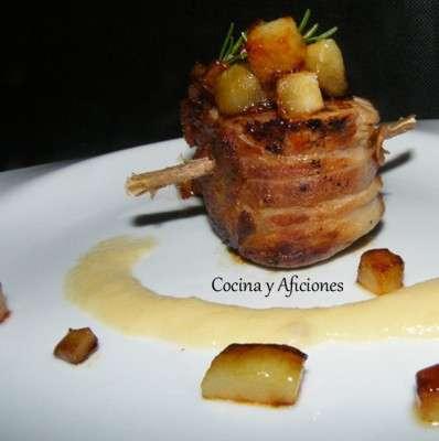 Medallones de solomillo de cerdo,  peras caramelizadas y alioli de peras, receta para Navidad paso a paso