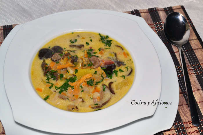 Sopa de hongos y setas (zupa grzybowa), receta paso a paso.