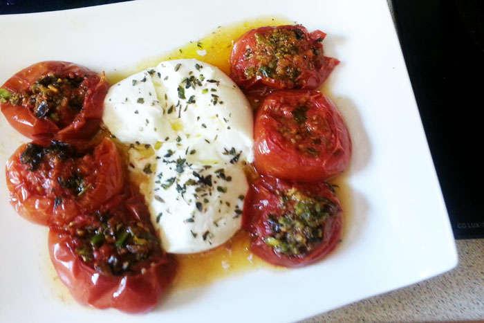 tomates asados con hierbas y mozarella 1