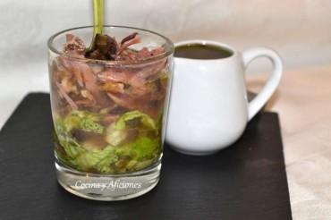 Ensalada con  pato y vinagreta de picadillo de aceituna negra, receta paso a paso.